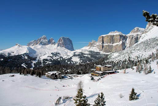 hotel-pordoi-passo-pordoi-canazei-dolomiti-sella-ronda-wintersport-italie-ski-snowboard-raquettes-schneeschuhlaufen-langlaufen-wandelen-interlodge.jpg