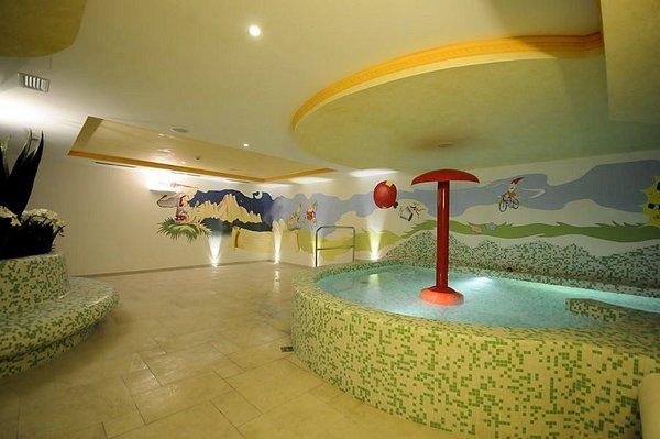 miniclub-sporting-hotel-passo-tonale-wintersport-italie-ski-snowboard-raquettes-schneeschuhlaufen-langlaufen-wandelen-interlodge.jpg