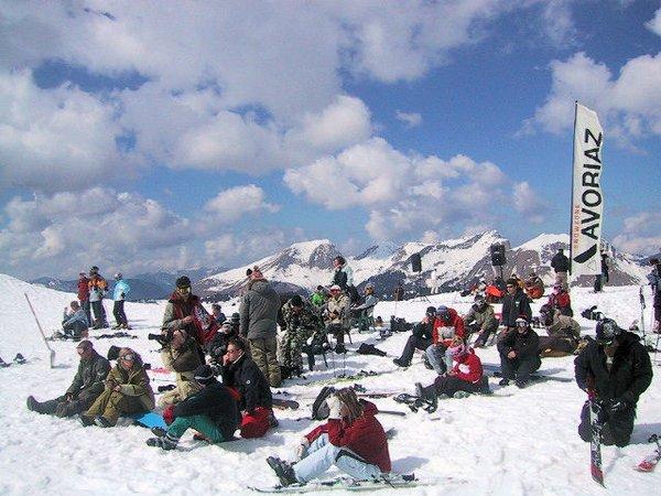 op-de-piste-avoriaz-les-portes-du-soleil-wintersport-frankrijk-ski-snowboard-raquettes-schneeschuhlaufen-langlaufen-wandelen-interlodge.jpg