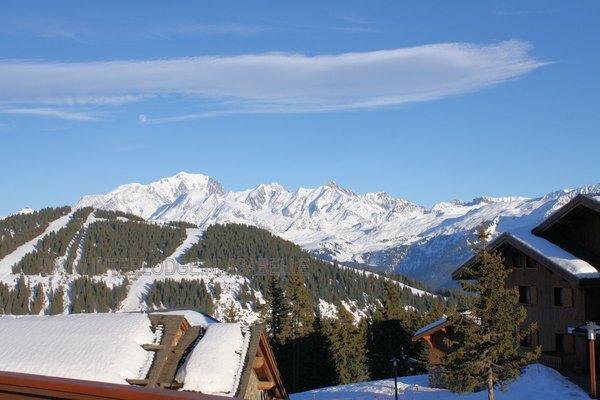 residence-le-hameau-du-beaufortain-uitzicht-mont-blanc-les-saisies-espace-diamant-wintersport-frankrijk-ski-snowboard-raquettes-schneeschuhlaufen-langlaufen-wandelen-interlodge.jpg