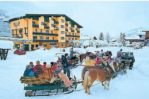 paardensleetochten-sporthotel-brixen-skiwelt-wilder-kaiser-wintersport-interlodge.jpg