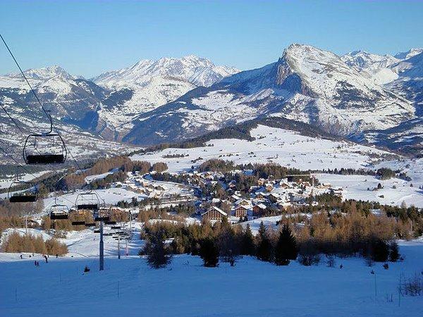la-joue-du-loup-devoluy-panorama-wintersport-frankrijk-ski-snowboard-raquettes-schneeschuhlaufen-langlaufen-wandelen-interlodge.jpg