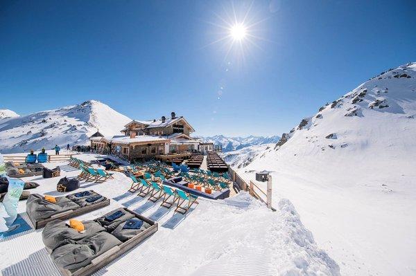 terras-hoch-zillertal-wintersport-oostenrijk-interlodge