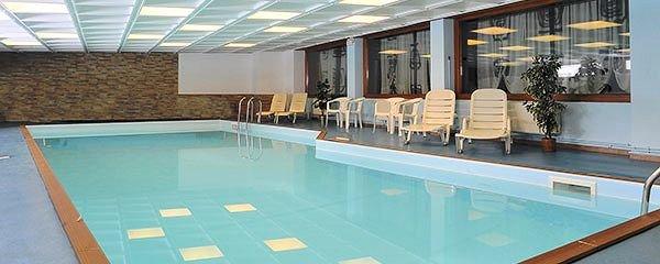 zwembad-hotel-tyrolia-malga-ciapela-marmolada-wintersport-italie-interlodge.jpg