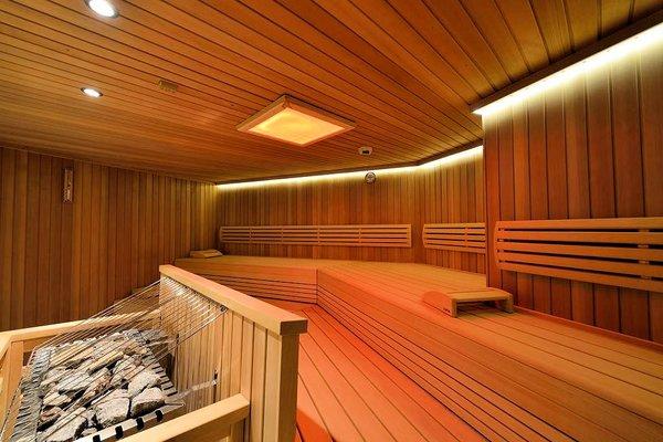 hotel-latini-sauna-schuttdorf-zell-am-see-europa-sportregion-wintersport-oostenrijk-interlodge.jpg