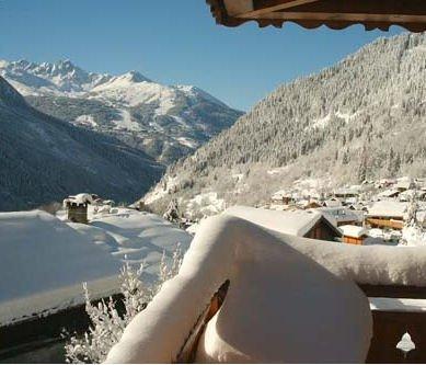 chalet-bouquetin-paradiski-champagny-wintersport-frankrijk-ski-snowboard-raquettes-schneeschuhlaufen-langlaufen-wandelen-interlodge.jpg