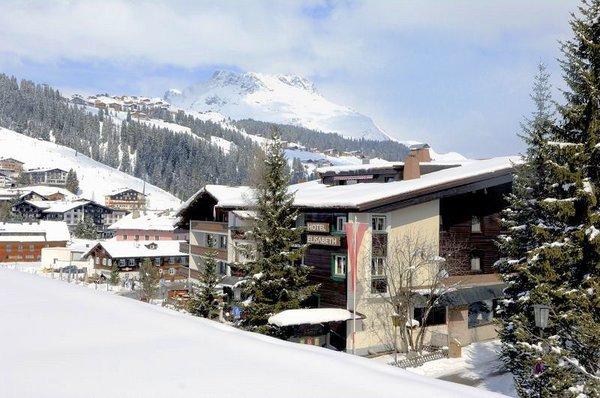 hotel-elisabeth-buiten-oostenrijk-wintersport-ski-snowboard-raquettes-schneeschuhlaufen-langlaufen-wandelen-interlodge.jpg