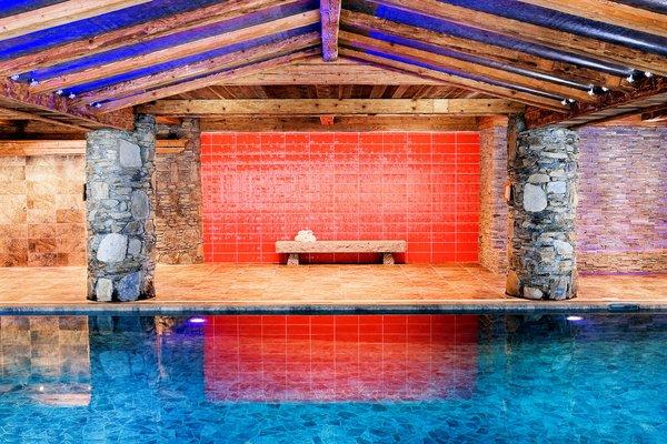 zwembad-residence-le-nevada-tignes-val-claret-espace-killy-interlodge.jpg