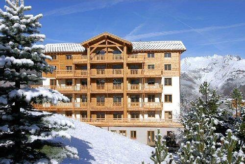 voorkant-residence-alba-les-deux-alpes-wintersport-frankrijk-ski-snowboard-raquettes-schneeschuhlaufen-langlaufen-wandelen-interlodge.jpg