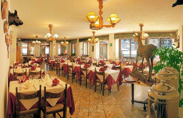 hotel-banchetta-restaurant-sestriere-borgata-via-lattea-wintersport-italie-ski-snowboard-raquetes-schneeschuhlaufen-wandelen-langlaufen-interlodge.jpg