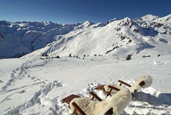 fugen-hochzillertal-wintersport-oostenrijk-ski-snowboard-raquettes-schneeschuhlaufen-langlaufen-wandelen-interlodge.jpg
