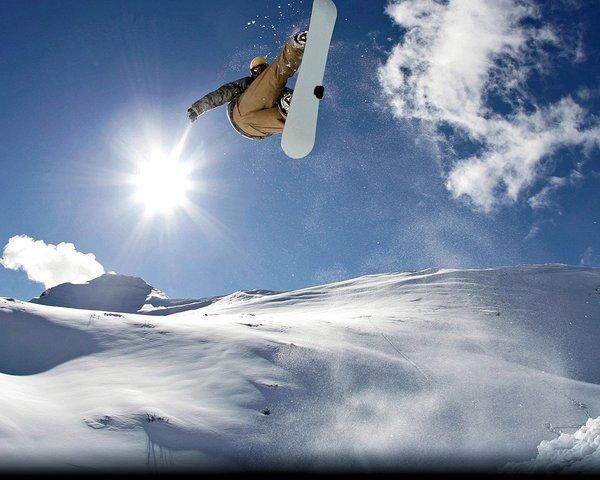 snowboarder-kitzbueheler-alpen-wintersport-oostenrijk-interlodge.jpg