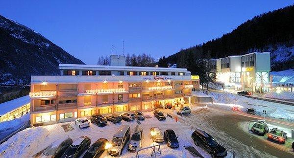 sporting-hotel-ravelli-marilleva-900-mezzana-skirama-dolomiti-wintersport-italie-interlodge.jpg