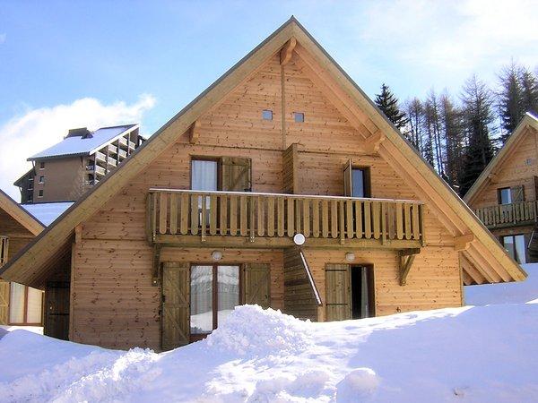 residences-les-flocons-de-la-joue-la-joue-du-loupe-chalet-exterieur-wintersport-frankrijk-ski-snowboard-raquettes-schneeschuhlaufen-langlaufen-wandelen-interlodge.jpg