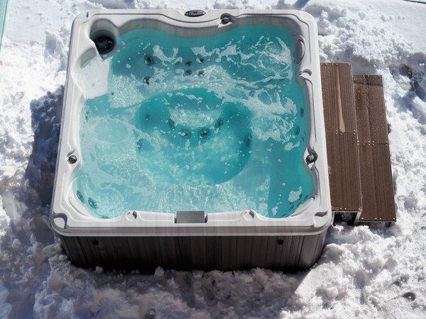 hotel-lyskamm-jacuzi-breuil-cervinia-matterhorn-wintersport-italie-interlodge.jpg