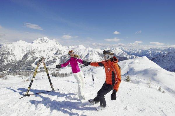 skiers=seefeld-olympia-region-wintersport-oostenrijk-interlodge.jpg