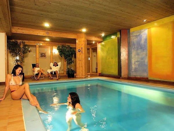 zwembad-hotel-portavescovo-arabba-dolomiti-superski-wintersport-italie-ski-snowboard-raquettes-schneeschuhlaufen-langlaufen-wandelen-interlodge.jpg