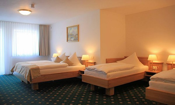 hotel-schwabenwirt-slaapkamer-berchtesgaden-beieren-duitsland-wintersport-interlodge