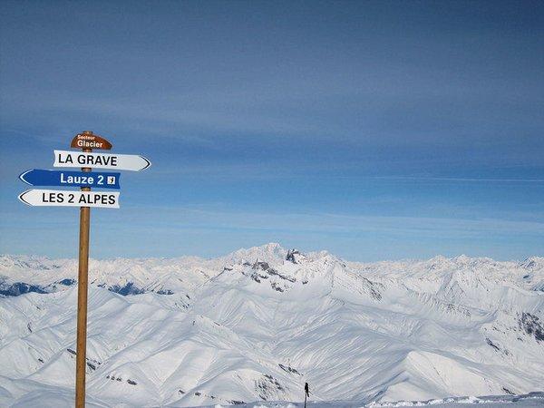 uitzicht-vanaf-gletsjer-les-deux-alpes-frankrijk-wintersport-ski-snowboard-raquette-schneeschuhlaufen-langlaufen-wandelen-interlodge.jpg