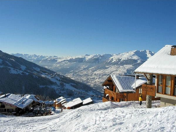 buitenzijde-chalet-de-bellecote-vallandry-paradiski-interlodge.jpg