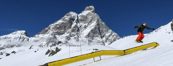 snowpark-breuil-cervinia-matterhorn-ski-paradise-wintersport-italie-interlodge