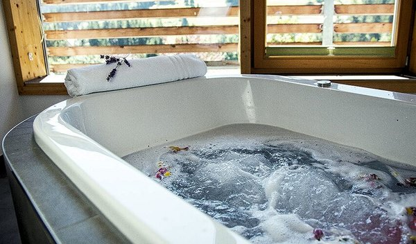 jacuzzi=hotel-dunza-burserberg-brandnertal-wintersport-interlodge.jpg