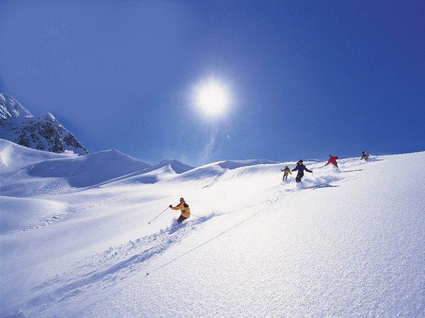 lech-arlberg-oostenrijk-wintersport-ski-snowboard-raquette-schneeschuhlaufen-langlaufen-wandelen-interlodge.jpg