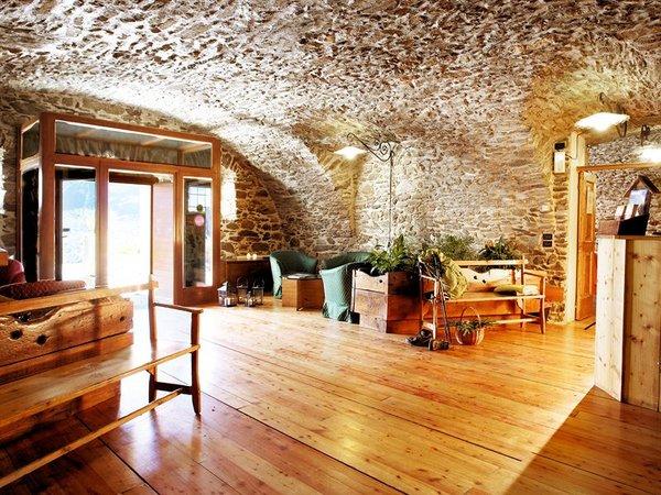 lounge-hotel-mirandola-passo-tonale-wintersport-italie-ski-snowboard-raquettes-schneeschuhlaufe-langlaufen-wandelen-interlodge.jpg