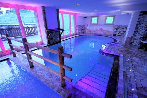 zwembad-hotel-residence-dahu-passo-tonale-wintersport-italie-ski-snowboard-raquettes-schneeschuhlaufen-wandelen-interlodge.jpg