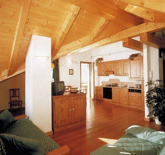 interieur-residence-piz-aot-mezzana-skirama-dolomiti-italie-wintersport-ski-snowboard-raquettes-schneeschuhlaufen-langlaufen-wandelen-interlodge.jpg