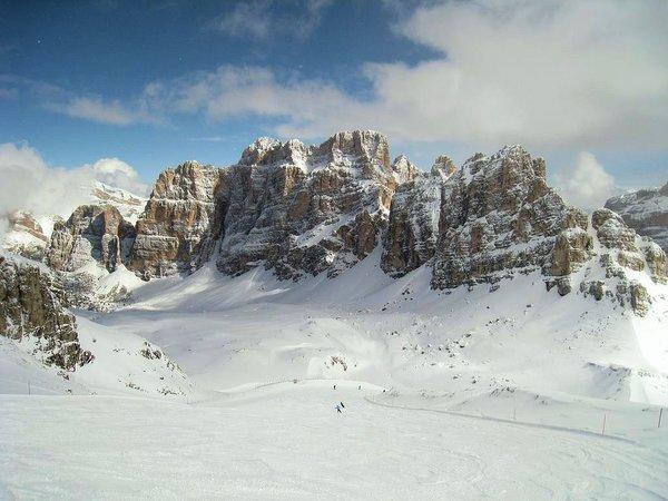 wintersport-italie-dolomiti-superski-sella-ronda-ski-snowboard-raquettes-schneeschuhlaufen-langlaufen-wandelen-interlodge.jpg