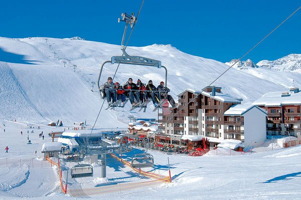 buitenzijde-residence-rond-point-des-pistes-tignes-val-claret-espace-killy-interlodge.jpg