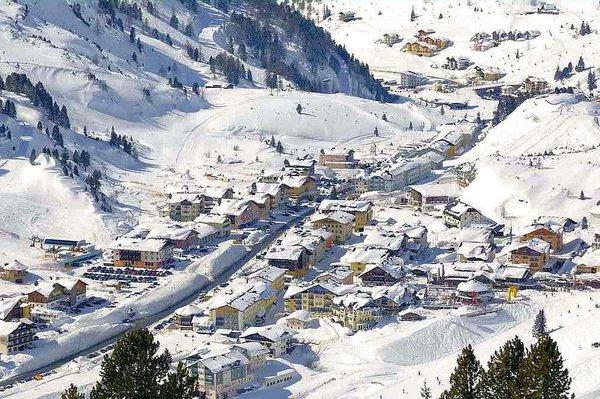 panorama-obertauern-wintersport-oostenrijk-ski-snowboard-raquette-schneeschuhlaufen-langlaufen-wandelen-interlodge.jpg