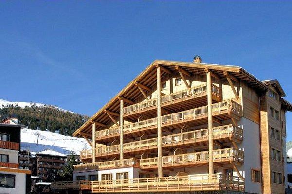 buitenzijde-residence-le-cortina-les-deux-alpes-wintersport-frankrijk-ski-snowboard-raquettes-schneeschuhlaufen-langlaufen-wandelen-interlodge.jpg