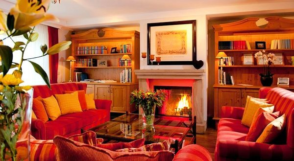 open-haard-hotel-kaiserhof-kitzbuhel-wintersport-interlodge.jpg