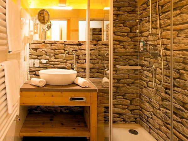 badkamer-hotel-walisgaden-damuls-vorarlberg-wintersport-oostenrijk-interlodge