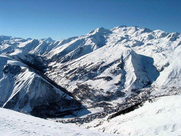 saint-sorlin-d-arves-panorama-wintersport-frankrijk-ski-snowboard-raquettes-schneeschuhlaufen-langlaufen-wandelen-interlodge.jpg