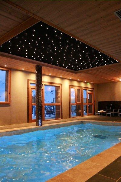 zwembad-chalet-des-neiges-la-cime-des-arcs-arc-2000-paradiski-wintersport-frankrijk-ski-snowboard-raquettes-langlauf-wandelen-interlodge.jpg