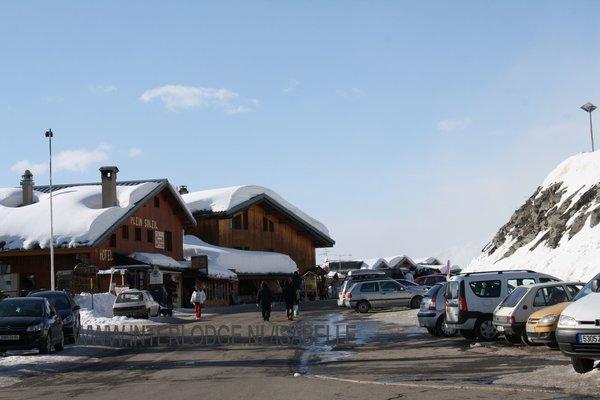 la-rosiere-straat-einde-centrum-espace-san-bernardo-wintersport-frankrijk-ski-snowboard-raquettes-schneeschuhlaufen-langlaufen-wandelen-interlodge.jpg