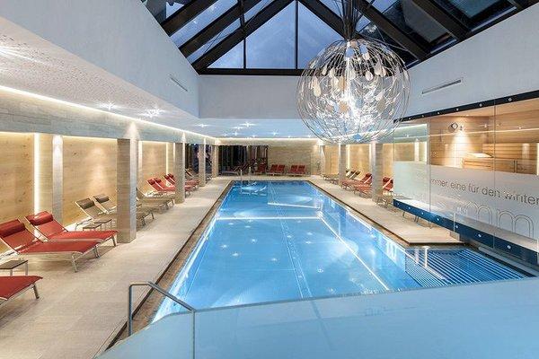 zwembad-hotel-tyrolerhof-solden-otztal-arena-wintersport-interlodge.jpg
