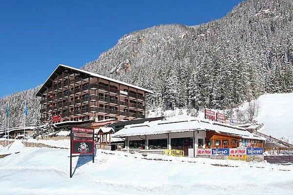 buitenkant-il-caminetto-canazei-wintersport-italie-ski-dolomiti-italie.jpg
