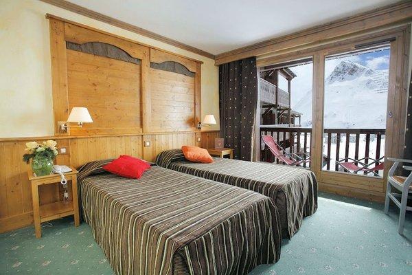 hotel-village-montana-2-persoonskamer-tignes-le-lac-espace-killy-frankrijk-wintersport-ski-snowboard-raquettes-schneeschuhlaufen-langlaufen-wandelen-interlodge.jpg