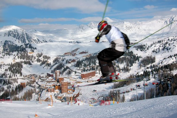 beeld-skier-plagne-centre-paradiski-frankrijk-wintersport-interlodge.jpg