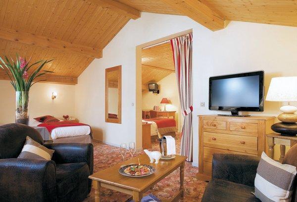hotel-l-ours-blanc-suite-les-menuires-les-trois-vallees-interlodge.jpg