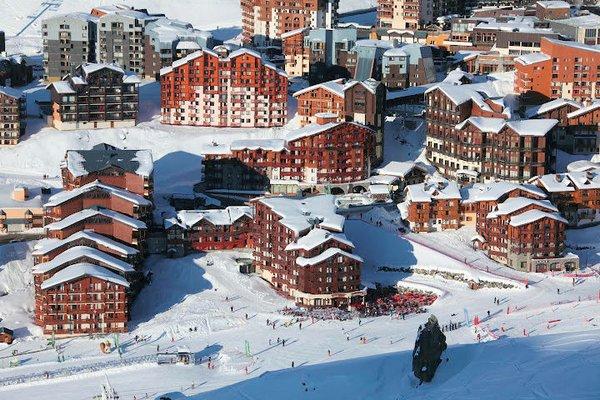 overzicht-village-montana-village-montana-soleil-village-montana-valbel-val-thorens-les-trois-vallees-wintersport-frankrijk-ski-snowboard-raquettes-schneeschuhlaufen-langlaufen-wandelen-interlodge.jpg