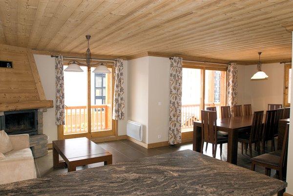 residence-le-sabot-de-venus-appartement-woonkamer-val-thorens-les-trois-vallees-interlodge.jpg