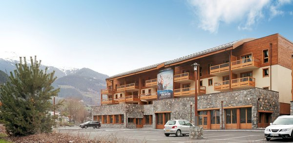 buitenzijde-residence-le-coeur-d-or-bourg-st-maurice-paradiski-wintersport-frankrijk-ski-snowboard-raquettes-schneeschuhlaufen-langlaufen-wandelen-interlodge.jpg