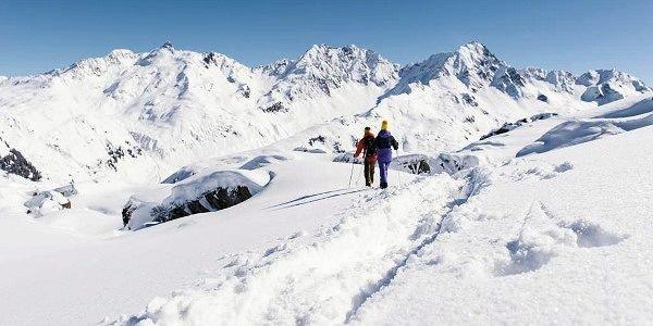 wandelen-wald-am-arlberg-vorarlberg-wintersport-oostenrijk-interlodge