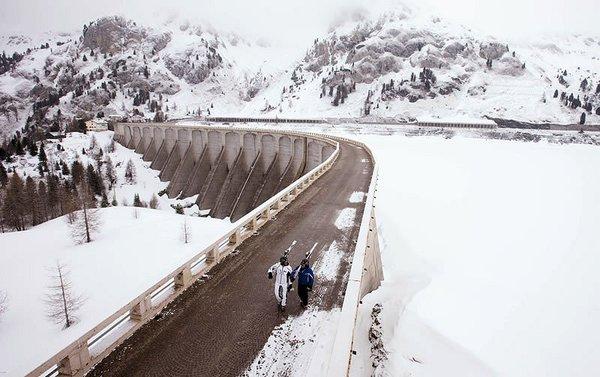 marmolada-superdolomiti-wandelende-skiers-wintersport-italie-ski-snowboard-raquettes-schneeschuhlaufen-langlaufen-wandelen-interlodge.jpg