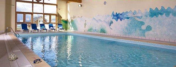 interieur-zwembad-les-chalets-de-la-fontaine-st-jean-d-arves-les-sybelles-interlodge.jpg